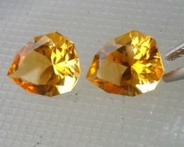 4.50 Cts DAZZLING NATURAL ULTRA RARE MATCHING PAIR PFANCY PEAR CUT GOLDEN Y