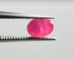 Natural Ruby - 0,63 carats - Unheated / Untreated