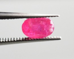 Natural Ruby - 0,65 carats - Unheated / Untreated