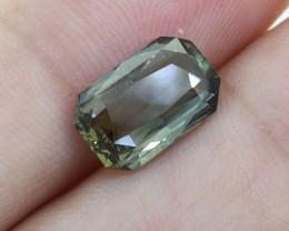 BIG Unheated Certified Green Sapphire 3.34 Ct. looks Amazing ! (00727)