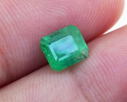 Vivid Green Emerald 1.03 Ct. Perfect for a RING (00916)