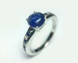 925 Sterling Silver Rhodiu Ring with 1.62 Carats Natural Blue sapphire
