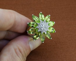 Peridot 925 Sterling Silver Ring Size 7.5 (SSR0084)