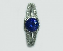 925-Sterling-Silver-Ring-with-0.93-Carats-Natural-Blue-sapphire