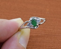 No Reserve Emerald Sterling Silver Ring Size 6 US (SSR0070)
