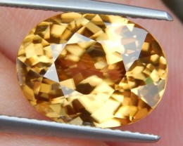 8.12cts, Yellow Zircon,  VVS1 Eye Clean,