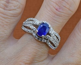 Near Cornflower Blue Sapphire Sterling Silver Ring - Size 7.5