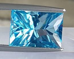 4.69cts, Blue Topaz, Concave Cut,  VVS1, Calibrated