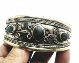 104.50 Crt Antique Style Afghani Bangle with Black Onix Gemstone  (M 58)