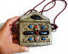 Tribal Silver gemstone purse      PPP1409