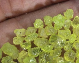 50CTS PERIDOT ROUGH PARCEL RG-2333