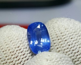 CERTIFIED 2.08 CTS NATURAL BEAUTIFUL BLUE SAPPHIRE FROM SRI LANKA