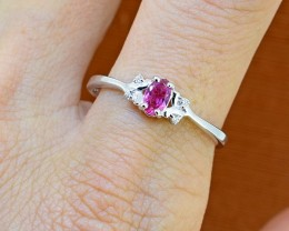 No Reserve HOT Pink Tourmaline 925 Sterling Silver Ring Size 8 US (SSR0256)