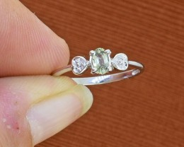 Green Sapphire 925 Sterling Silver Ring SIZE 5 US(SSR0283)