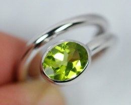 NR Lot 10 ~ 26.7Ct Natural Green Peridot 925 Silver Ring Sz6