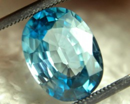 CERTIFIED - 5.70 Carat VVS1 Blue Zircon - Gorgeous