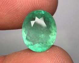 4.15 cts MINTY GREEN EMERALD - BEST COLOR - GORGEOUS CLARITY!!