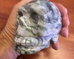 0.80 Kilo veined green  Jasper Gemstone Skull  PPP 1676