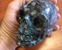 0.80 Kilo Black veins in grey  Jasper Gemstone Skull  PPP 1678