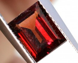 2.10CTS  GARNET FACETED STONE PG-2382