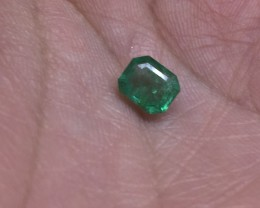 Spectacular 0.84ct VS Colombian Emerald Untreated!