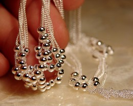 STUNNINGLY BEAUTIFUL SILVER NECKLACE & BRACELET
