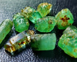 34 CT Natural - Unheated Green Color Emerald Rough