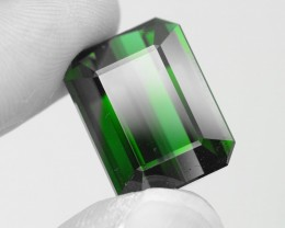 25.73 ct Elbaite Tourmaline Rich Green Mozambique KM.30