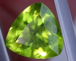 2.2 CTS PERIDOT FACETED STONE TBG-2880