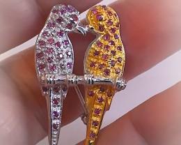 Enchanting Lovebird Rhodolite Garnet Gold Silver Brooch No reserve