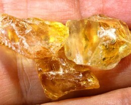 35 CTS A GRADE CITRINE ROUGH NATURAL BG-300