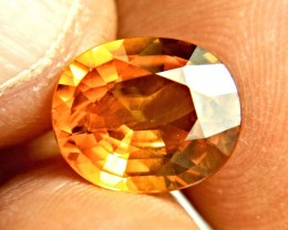 CERTIFIED - 6.50 Carat VS/SI Orange Sapphire - Gorgeous