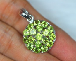 22.50ct Sterling Silver 925 Natural Green Peridot Pendant GW466