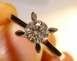Certified 0.55ct Solitaire Diamond Ring , F / SI3 , Very Beatiful Piece.