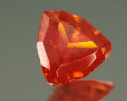 0.96 CT SUPER RARE WULFENITE - MASTER CUT!