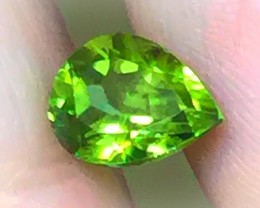 2.93ct Blazing Green Peridot Gem Fantastic No Reserve Auction