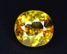 3.85 ct NATURAL SUPERB COLOR YELLOWISH GREEN SPHENE