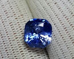 CERTIFIED 4.05 CTS NATURAL BEAUTIFUL CORNFLOWER BLUE SAPPHIRE CEYLON
