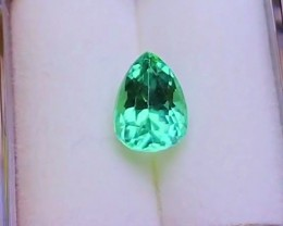 1.25 cts MINT GREEN TOURMALINE GEMSTONE - JEWELRY QUALITY