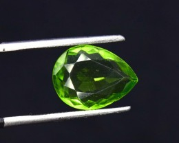 NO RESERVE - 2.85 cts Natural Olivine Green Natural Peridot Gemstone