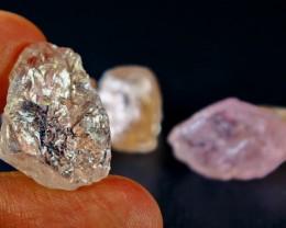 87 CT Natural - Unheated Peach Morganite  Rough lot