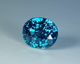 4.64 ct Mind blowing Blue colored Oval Cut Cambodian Zircon