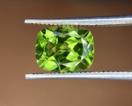 2.55 Crt Natural Peridot  Faceted Gemstone (R 144)