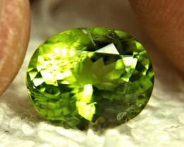 1$NR - 4.50 Carat Vibrant Green Himalayan SI Peridot - Superb