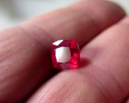 VERY NICE NATURAL RUBY TOP PIGEON  BLOOD RED 3.65 CTS