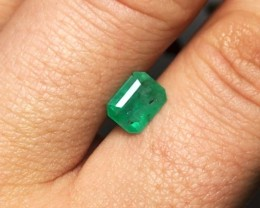 1.40 cts Colombian Emerald - Excellent Color and Cut