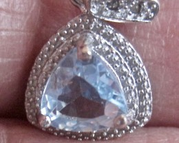 Magnificent 1.362 carat faceted Blue Topaz pendant over Sterling Silver