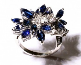 Gr 10.0   18 k White Gold with Diamonds and Sapphire     FB13