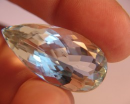 A STUNNING TOPAZ JEWEL ~ 62.04cts ~ BEAUTIFUL BRAZILIAN LOVELY
