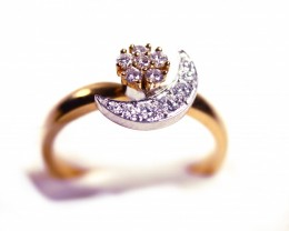 Rotating Ring Gr 4.50   18 k  Gold with Diamonds .    FB95